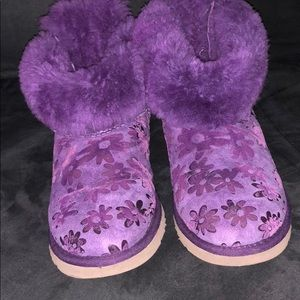Gently worn UGG Bailey purple floral boots kids 4